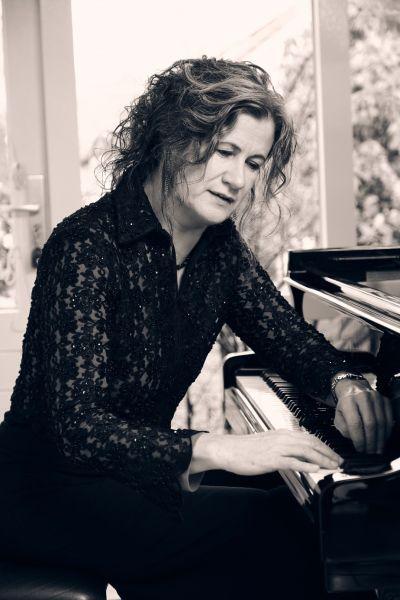 Rianne Hoek van Dijke solorecitals en kamermuziek